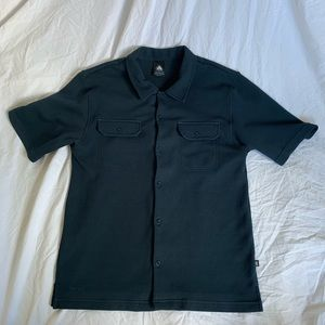 Men's Nike ACG Button Down Shirt With Pockets!